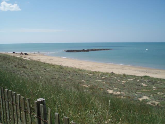 Beach Wild Coast Ocean Surf - Bretignolles-sur-Mer - House