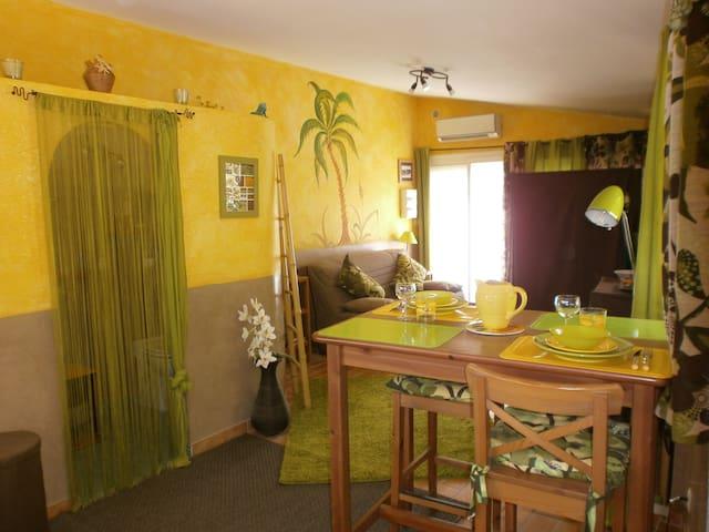 """STUDIO proche de Cassis :"""" Le Palmier"""" - Carnoux-en-Provence - Appartamento"""
