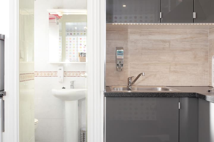 Bathroom and kitchen details