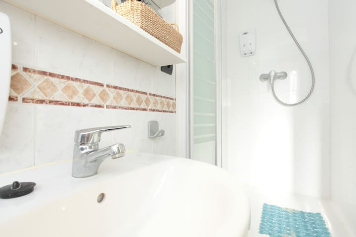 Thinking about your comfort, we have the most space to the shower