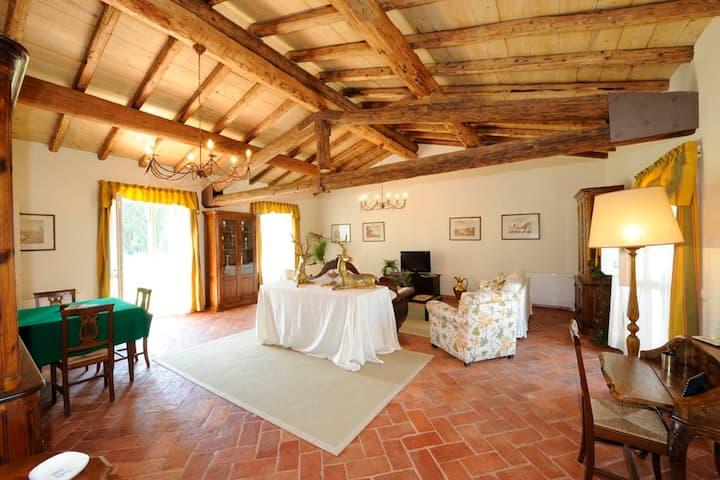 5 bedrooms Villa,suitable 10 people