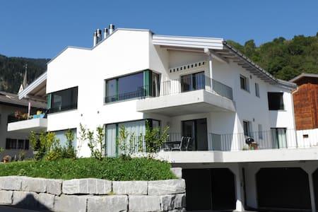 Wohnen wie zuhause in Schluein/LAAX - Schluein - Lägenhet