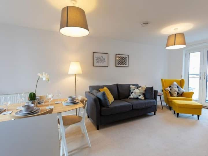 ⭐️ CENTRALLY LOCATED LOVELY HOME ⭐️ FREE PARKING