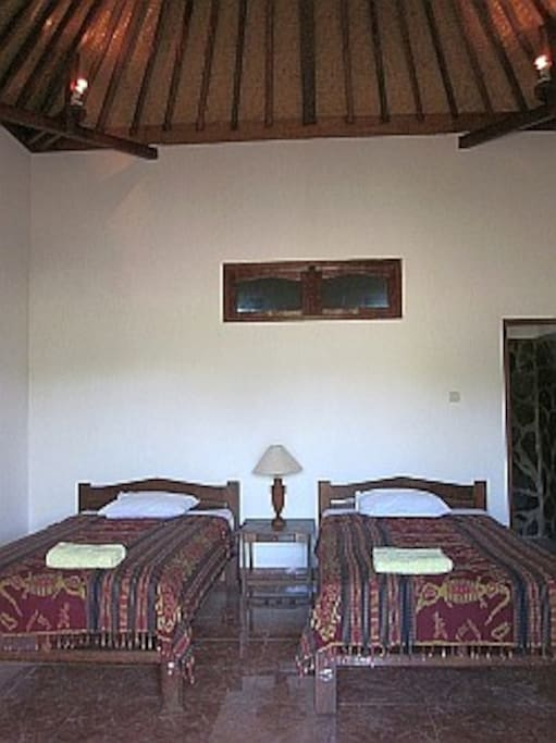 Cozy Room in Lovina, 10mb internet