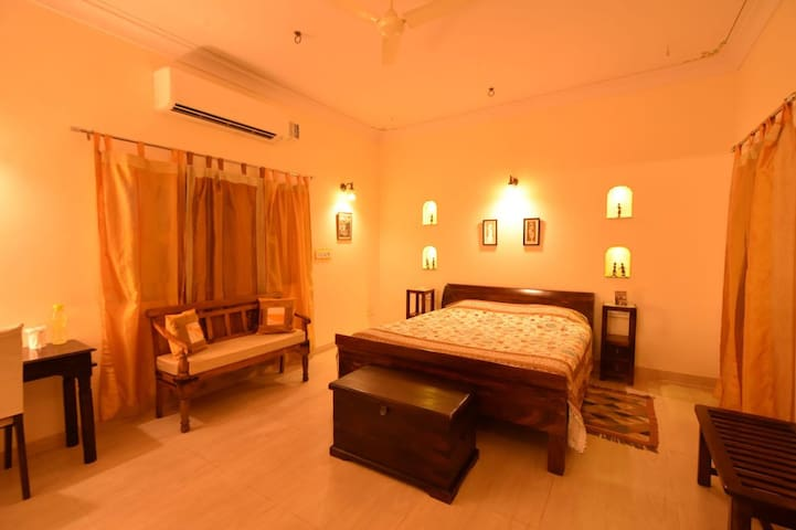 Twin private rooms in Jodhpur next 2 each other
