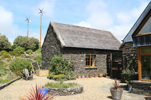 Quiet cottage between Schull and Ballydehob