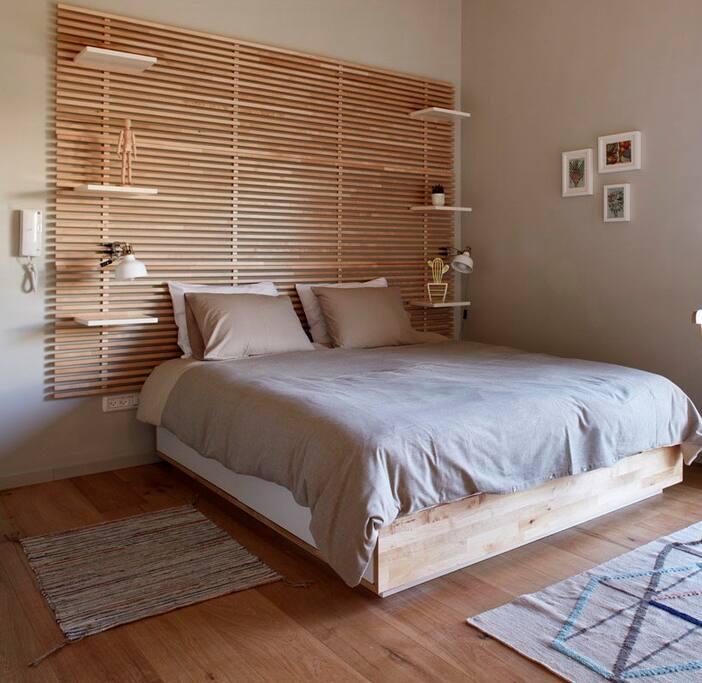 charming studio terrace bauhaus superb location wohnungen zur miete in tel aviv yafo tel. Black Bedroom Furniture Sets. Home Design Ideas