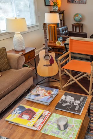 Read, watch tv, play the guitar or nap - lots of space to enjoy it all.