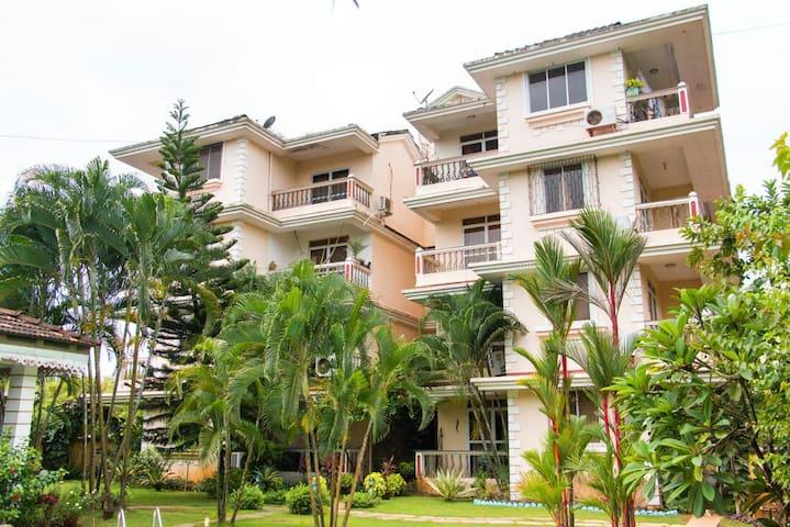 Dona Rosa 2BHK Apartment sleep 4 - Varca - Apartemen