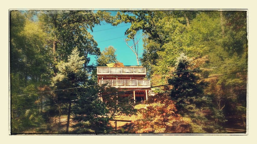 "Stunning lake view ""Treehouse"" - Denville - Hus"