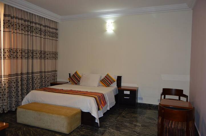 Han's Place-Executive Room