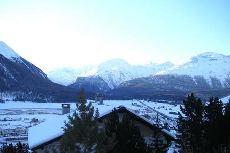 Lovely alpine Apartment with panoramic view - Samedan