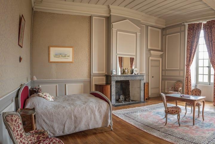 Large Suite des Marquis