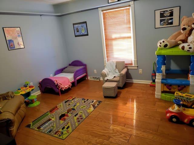 Bedroom 3 - Kids Playroom - Entrance View