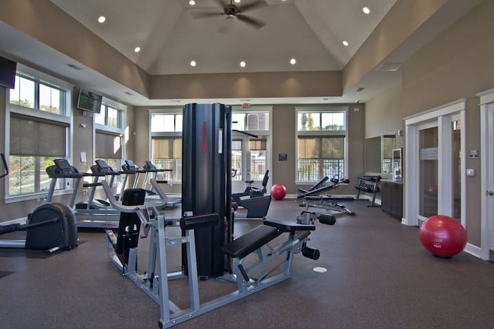 ★ Fitness Lover's Dream ★ 2BR w/Gym + Free Parking