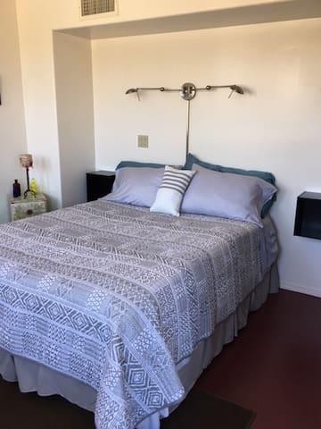 second bedroom,Queen bed
