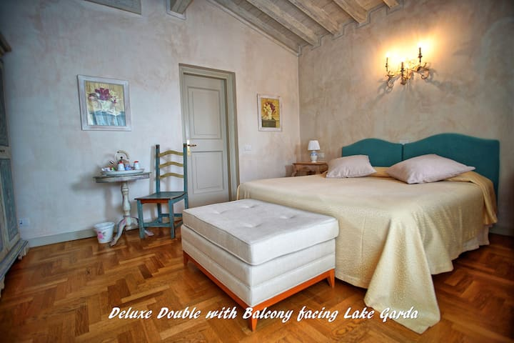 Deluxe Room with terrace and Garda Lake view