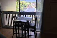 Refreshed 1-Bdrm, 1-Ba Walk to Beach & Activities