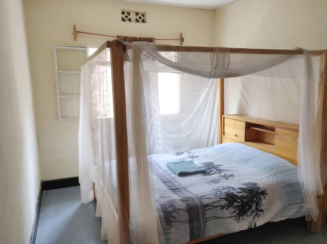 Ideally located house with view - double room