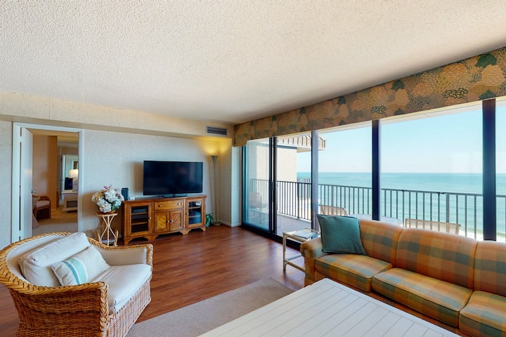Sea Colony Ocean 15th floor condo w/ tennis court, pool, and basketball court