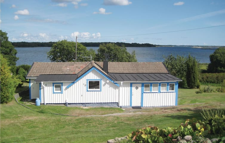 Holiday cottage with 1 bedroom on 75m² in Sturkö