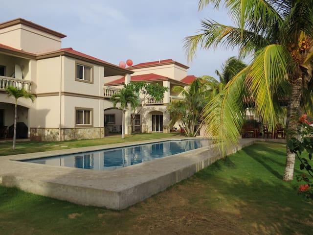 BEACH FRONT Villa 2bd/2ba - Hacienda Iguana - Tola - Lägenhet