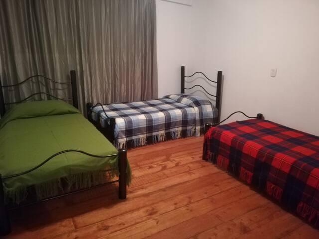 Hostel La Abuela (cama en habitación compartida F)