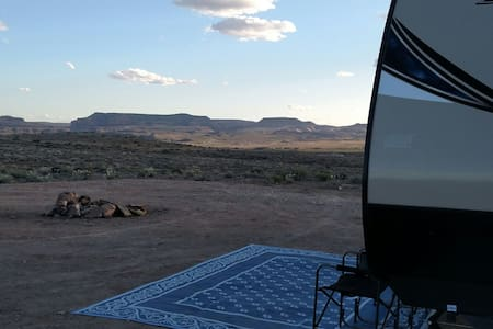 Take a shot off grid in Moab with our Bullet RV - 摩押 - 露营车/房车