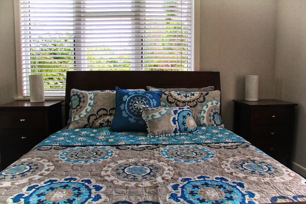 Master bedroom - a comfortable queen bed with new linen