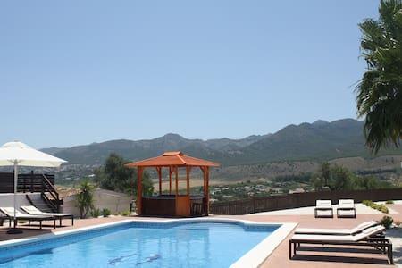 Room+bathroom+pool, stunning views. - Alhaurín de la Torre