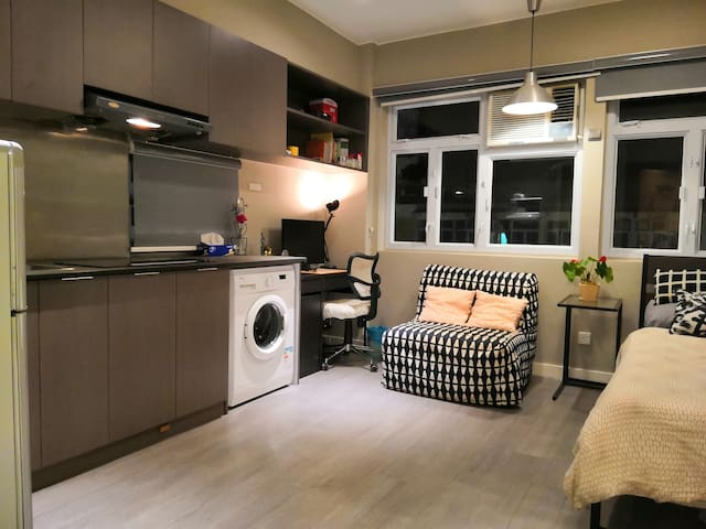 Spacious, Modern House @ City Center, 1 min to MTR