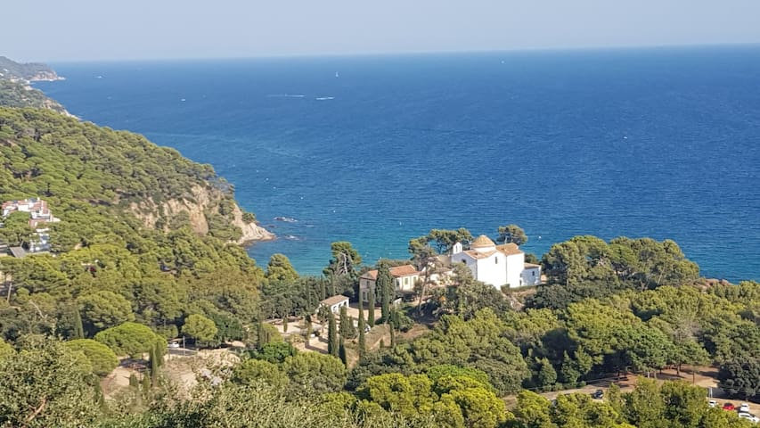MEDITERRANEAN VILLA, stunning sea veaws,  365 days