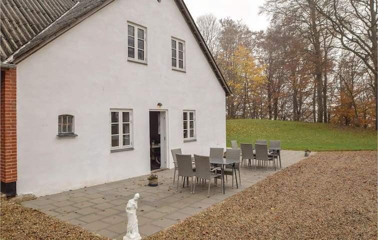 Holiday apartment with 1 bedroom on 45m² in Bredsten