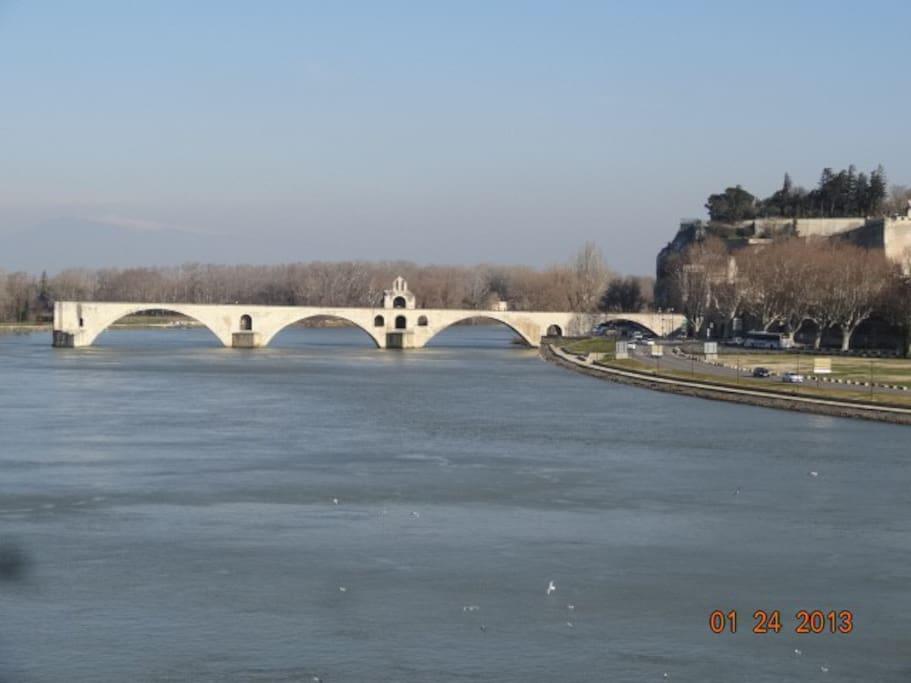 Le pont d'Avignon à 35 minutes du gîte
