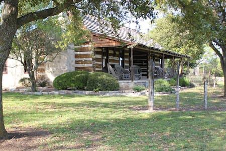 """Mia"" Dogtrot Cabin - Fredericksburg"