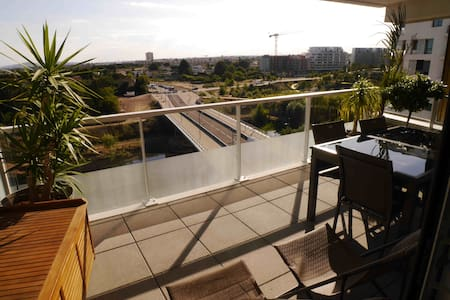 New apartment terrace garage downtown and sea - Montpellier - Apartment