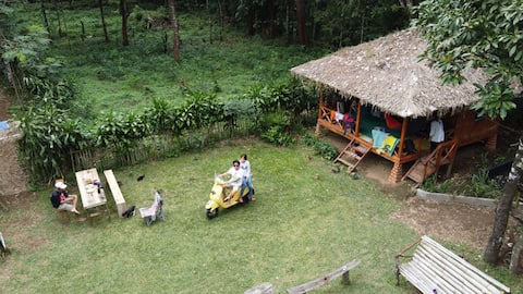 Rumah nenek tepi lembah, cisaat Sukabumi
