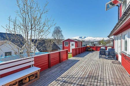 House close to nature/the fjords - Tromsø