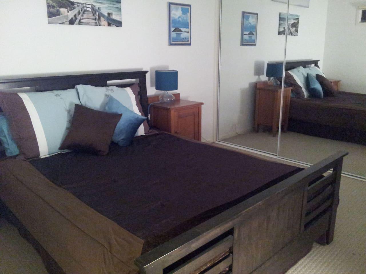 Large, quiet bedroom