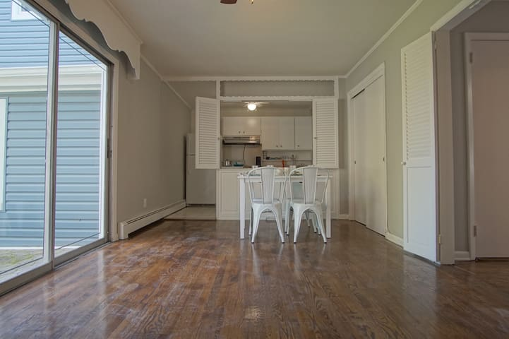Beautiful and bright one bedroom apartment