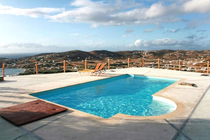 Villa with 3 bedrooms in Paros, with wonderful sea view, shared pool and WiFi - 1 km from the beach