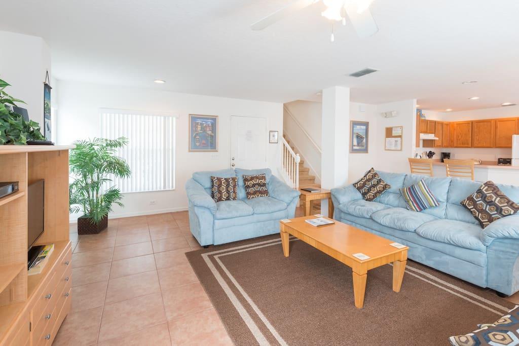 Living Room, flat screen TV, ceiling fan