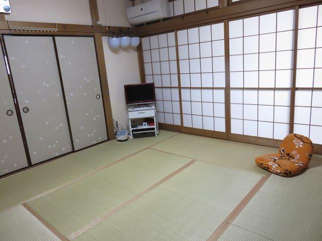 Convenient charming house - Edogawa-ku - Huis