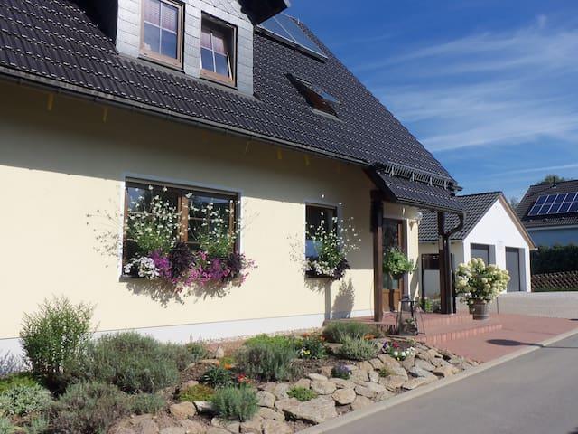 Exklusive Ferienwohnung unweit von Dresden - Dippoldiswalde - Vakantiewoning