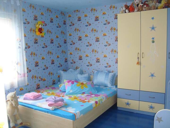 отдих с дети в дом с дворик
