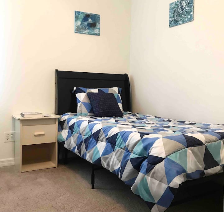 MiCasa Room for UF Students Only, Furnished, Wifi