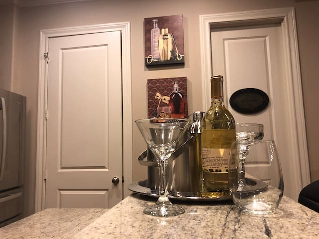 Master Private King Suite w/Large Private Bathroom