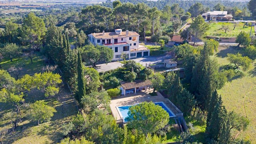 Finca Mallorca with pool, mountain and sea views