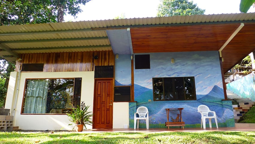 Arenal Artist Retreat Guest Home - Nuevo Arenal - Haus