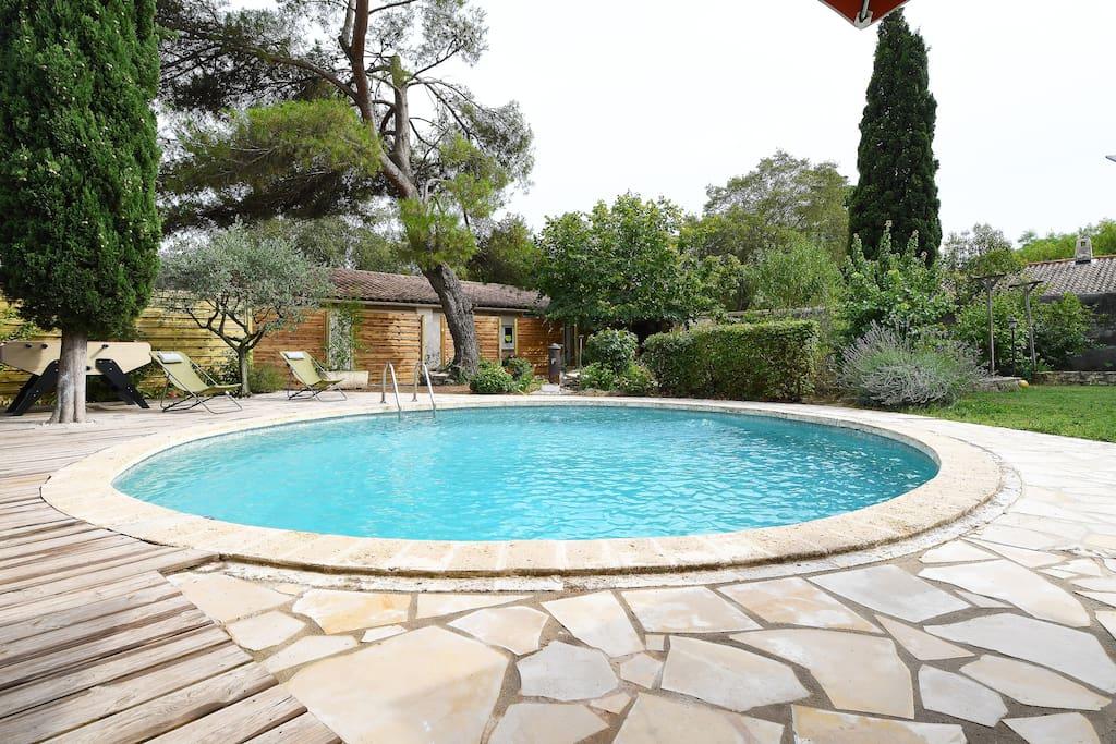 G te 6 8 pers avec piscine hammam et sauna villas for for Piscine hammam sauna